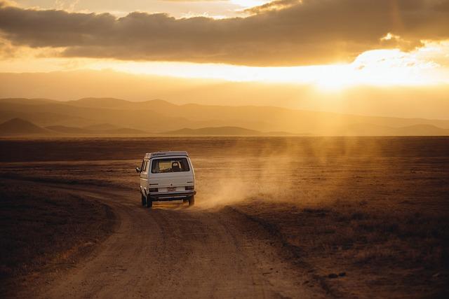 Czym najpoprawniej jeździć do pracy czy na wakacje prywatnym samochodem tak czy nie?